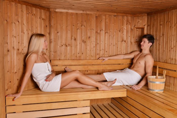 Der sauna in nackt Nackt In